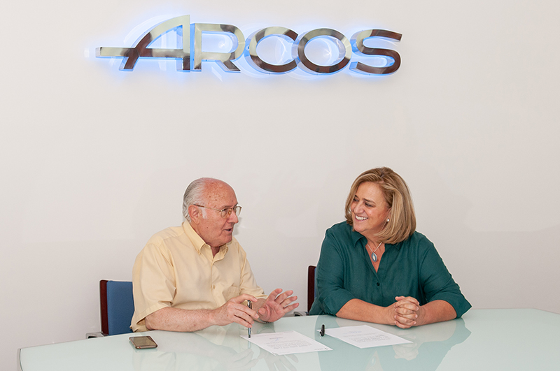 """Arcos Hermanos S.A. dona los beneficios de la campaña 'Súmate al Rosa"""" a la AECC para la investigación de la lucha contra el cáncer de mama"""