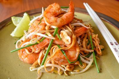 Noodles con langostinos