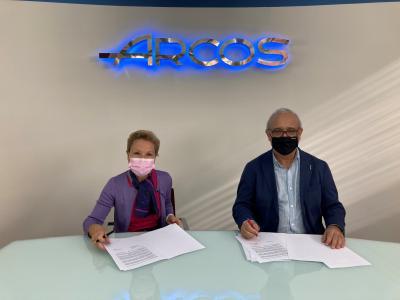 Arcos firma de nuevo un acuerdo solidario destinado a la lucha contra el cáncer de mama con la AECC
