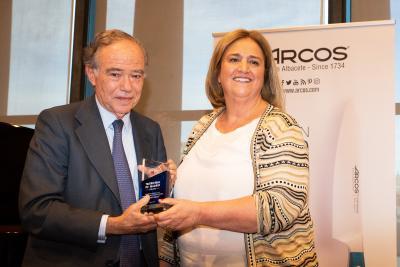 El Teatro Real de Madrid recibe el premio Gregorio Arcos de Amithe